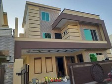 3 bedrooms with attach washroom 2 drawing rooms 2 lounges2 kitchen